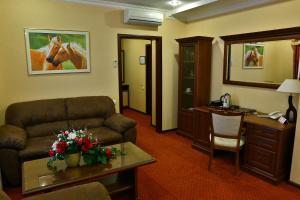 Отель Украина Ровно, Отели  Ровно - big - 8