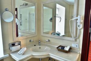 Hotel Ukraine Rivne, Hotels  Rivne - big - 11