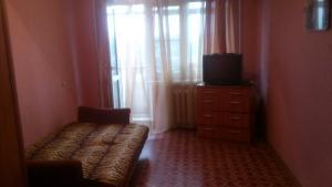 Отдельная квартира, Апартаменты  Великие Луки - big - 1