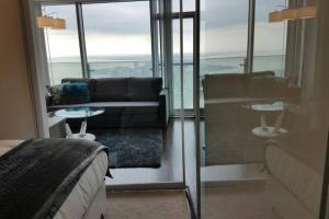 Premium Suites - Furnished Apartments Downtown Toronto, Apartmanok  Toronto - big - 2