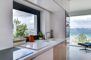 Magnificent contemporary villa Esterel Massif, Villen  Fréjus - big - 59