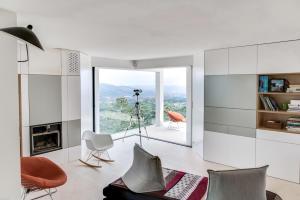 Magnificent contemporary villa Esterel Massif, Villen  Fréjus - big - 54