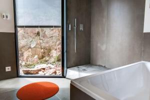 Magnificent contemporary villa Esterel Massif, Villen  Fréjus - big - 46