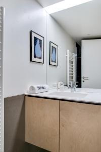 Magnificent contemporary villa Esterel Massif, Villen  Fréjus - big - 44