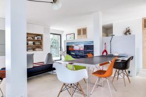 Magnificent contemporary villa Esterel Massif, Villen  Fréjus - big - 68