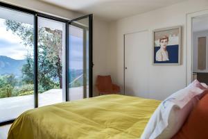 Magnificent contemporary villa Esterel Massif, Villen  Fréjus - big - 62