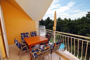 Apartment Jadranovo 3238b