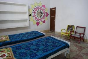 Ganges Nirvana Community & Home Stay, Hostels  Varanasi - big - 5