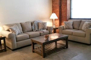 2211 Cork · Stay Smart Strip District - Apartment - Pittsburgh