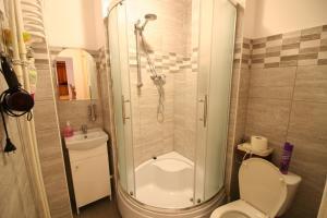 Apartamenty Varsovie Rondo ONZ, Ferienwohnungen  Warschau - big - 10