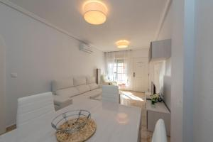 Bennecke Pinet, Apartmány  La Marina - big - 21