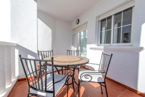 Bennecke Pinet, Apartmány  La Marina - big - 23