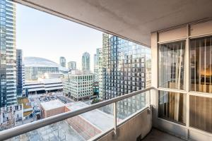The Icon Suites, Apartments  Toronto - big - 23