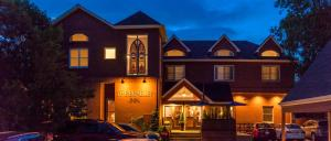 The Bradley Boulder Inn
