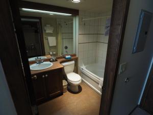 Apex Mountain Inn Suite 323-324 Condo, Ferienwohnungen  Apex Mountain - big - 3