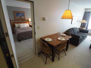 Apex Mountain Inn Suite 323-324 Condo, Ferienwohnungen  Apex Mountain - big - 14