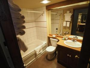 Apex Mountain Inn Suite 401-402 Condo, Apartments  Apex Mountain - big - 2
