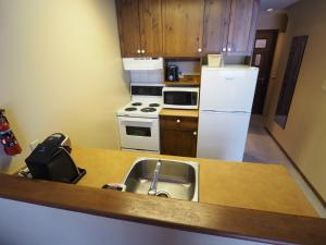 Apex Mountain Inn Suite 401-402 Condo, Apartments  Apex Mountain - big - 18