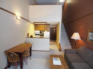 Apex Mountain Inn Suite 401-402 Condo, Apartments  Apex Mountain - big - 19