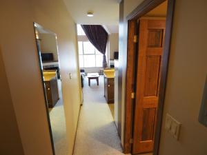 Apex Mountain Inn Suite 401-402 Condo, Apartments  Apex Mountain - big - 26