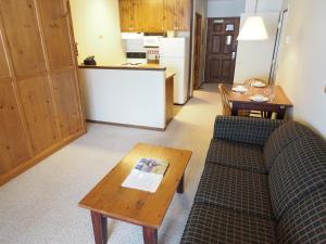 Apex Mountain Inn Suite 103 104 Condo