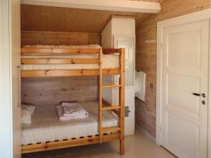 Two-Bedroom Holiday home Farsund with Sea View 01, Nyaralók  Farsund - big - 8