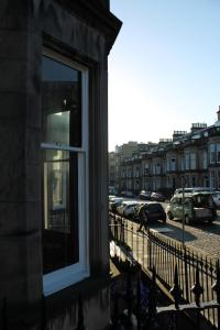 West End Townhouse nr Train Station, Apartmanok  Edinburgh - big - 65