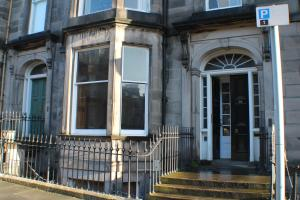 West End Townhouse nr Train Station, Apartmanok  Edinburgh - big - 56