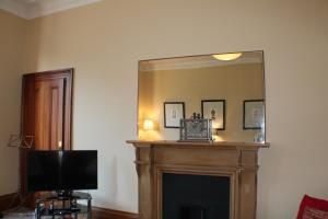 West End Townhouse nr Train Station, Apartmanok  Edinburgh - big - 22