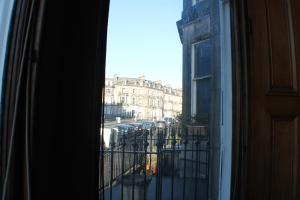West End Townhouse nr Train Station, Apartmanok  Edinburgh - big - 18