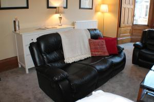 West End Townhouse nr Train Station, Apartmanok  Edinburgh - big - 15
