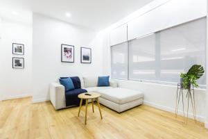 Best Price on Free Tram Zone Apartment Melbourne Central in