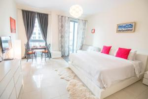 One Perfect Stay - Standpoint Studio - Dubai