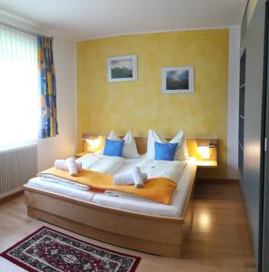 Familienpension Gletscherblick, Guest houses  Heiligenblut - big - 36