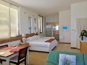 Camps Bay Villa, Guest houses  Cape Town - big - 32