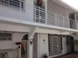 Casa Bokoyna, Holiday homes  Acapulco - big - 1