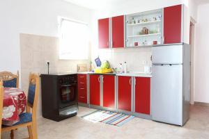 Apartment Pjestata 10210a, Apartmány  Janjina - big - 1