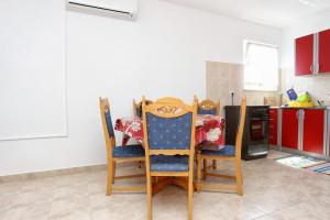 Apartment Pjestata 10210a, Apartmány  Janjina - big - 16