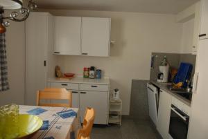 Ferienwohnung, Apartmány  Klosters Serneus - big - 6