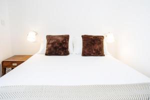 Cayres Suites Surdo, Apartments  Funchal - big - 47