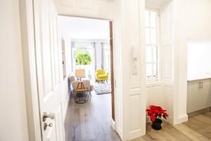 Cayres Suites Surdo, Apartments  Funchal - big - 20