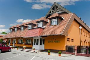 Karát Hotel photos
