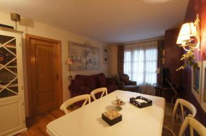 Sayo cincuenta y cinco, Appartamenti  Benasque - big - 1