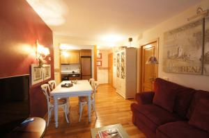Sayo cincuenta y cinco, Appartamenti  Benasque - big - 3