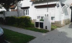 Chalet Barrio Los Troncos, Nyaralók  Mar del Plata - big - 1
