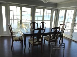 Ocean Front House, Holiday homes  North Bethesda - big - 8