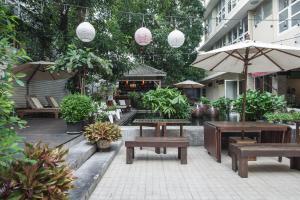 Feung Nakorn Balcony Rooms and Cafe, Отели  Бангкок - big - 91