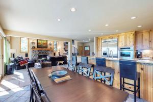 Crystal Blue, Holiday homes  Incline Village - big - 25