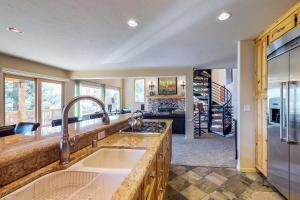 Crystal Blue, Holiday homes  Incline Village - big - 20