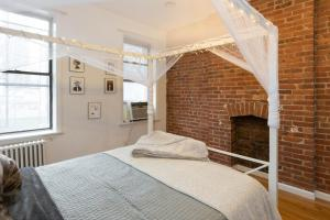 Cosy 1 Bed Apartment Midtown West near Hell's Kitchen & Macy's
